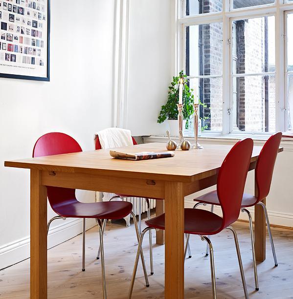 Cách bài trí bàn ghế ăn thông minh 8