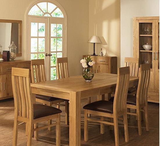 bàn ăn hiện đại và ấn tượng cho gia đình một không khí ấm cúng và xum họp
