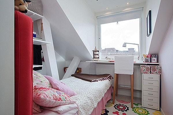 Phòng ngủ vintage nhỏ gọn.