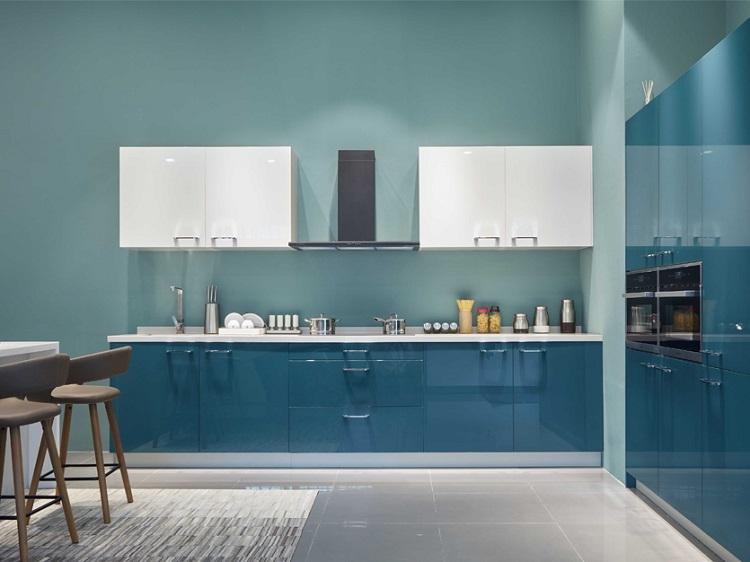ứng dụng công nghệ sơn piano gloss vào nội thất nhà bếp