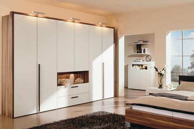 Mẫu tủ âm tường 3 kết hợp 2 tông màu trắng- màu vân gỗ hiện đại và sang trọng