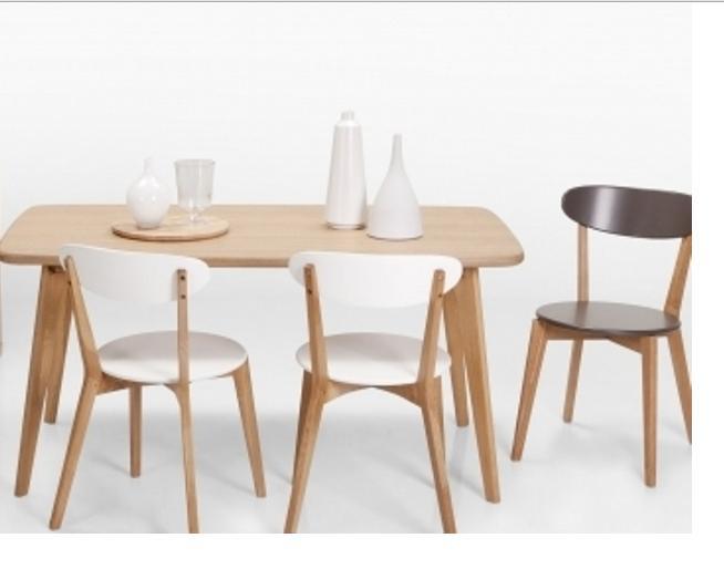 Bộ bàn ghế ăn gỗ là nơi gắn kết hạnh phúc gia đình
