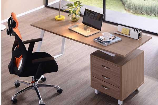 Thiết kế bàn làm việc giám đốc đơn giản,sang trọng