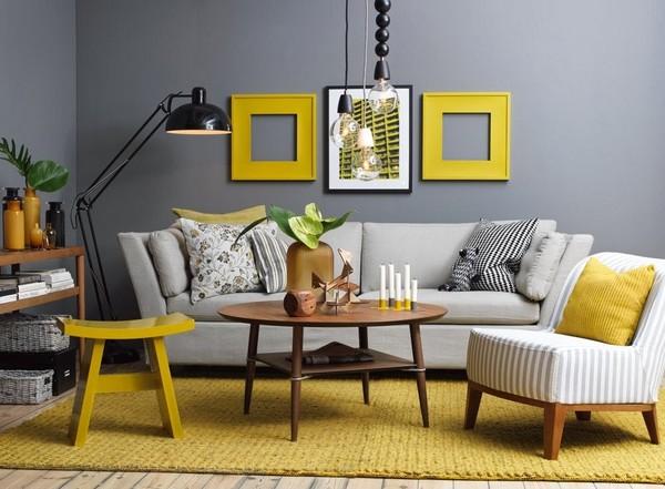 Mê mẫn những kiểu ghế sofa vải nỉ kết hợp những chiếc gối ôm đầy họa thiết khác nhau tạo cảm giác mới lạ và nổi bật khi kết hợp chiếc ghế gỗ màu vàng kết hợp tinh tế