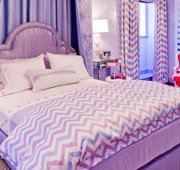 Căn phòng tím mộng mơ với họa tết chevron lãng mạn