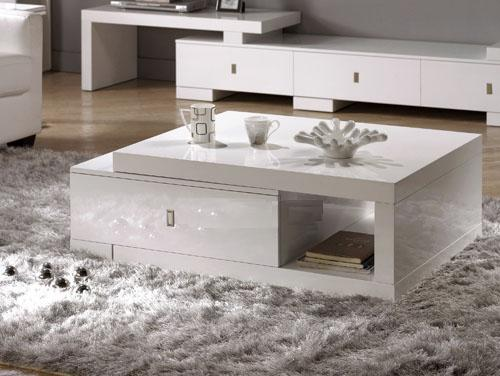 nội thất màu trắng sẽ giúp mở rộng không gian cho phòng khách của bạn.