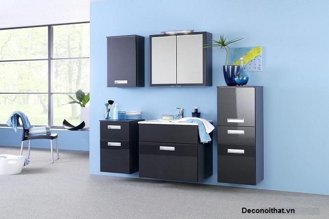phòng tắm sơn màu xanh sẽ mang lại cảm giác dịu mát, trong sáng cho căn phòng tắm có diện tích hẹp