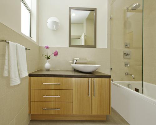 phòng tắm đủ ánh sáng sẽ giúp bạn khỏe mạnh hơn, tránh được các khí xấu