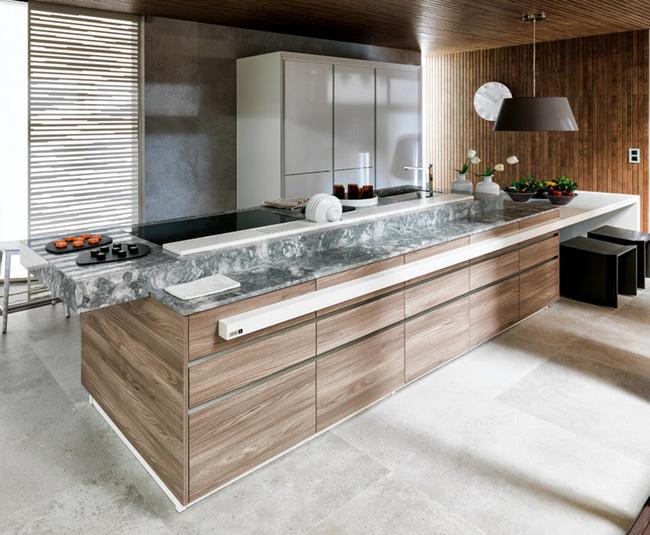 Căn bếp hiện đại được thiết kế cùng bàn đảo bếp sang trọng