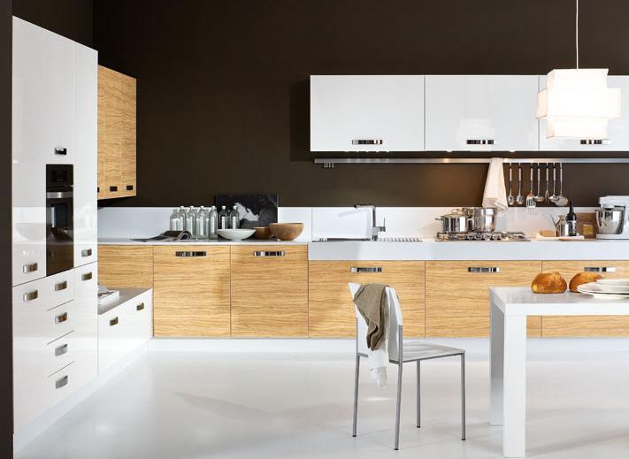 Mẫu tủ bếp phù Acrylic kết hợp Laminate