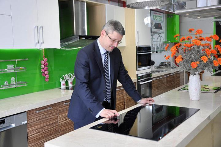 căn bếp đầy tiện nghi với trang thiết bị nhà bếp hiện đại