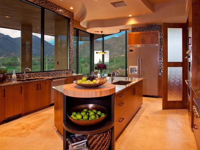 Tủ bếp gỗ cũng là sở thích của nhiều gia đình