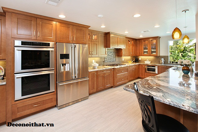 Tủ bếp gỗ tự nhiên 084 TP được thiết kế với nhiều kiểu dáng phù hợp với mọi không gian bếp nhà bạn